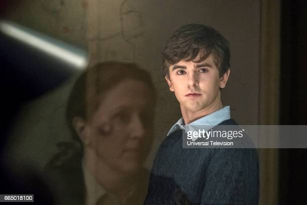 MOTEL 'The Body' Episode 508 Pictured Freddie Highmore as Norman Bates