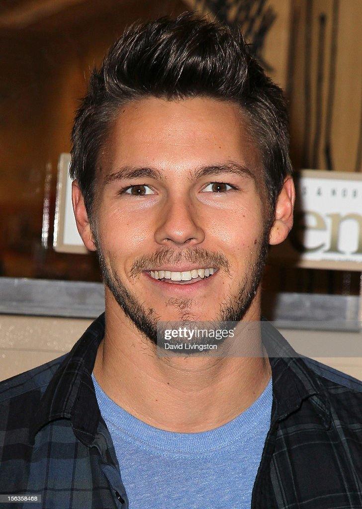 'The Bold and the Beautiful' cast member <a gi-track='captionPersonalityLinkClicked' href=/galleries/search?phrase=Scott+Clifton&family=editorial&specificpeople=675202 ng-click='$event.stopPropagation()'>Scott Clifton</a> attends a signing for 'Becoming Bold & Beautiful' at Barnes & Noble bookstore at The Grove on November 13, 2012 in Los Angeles, California.