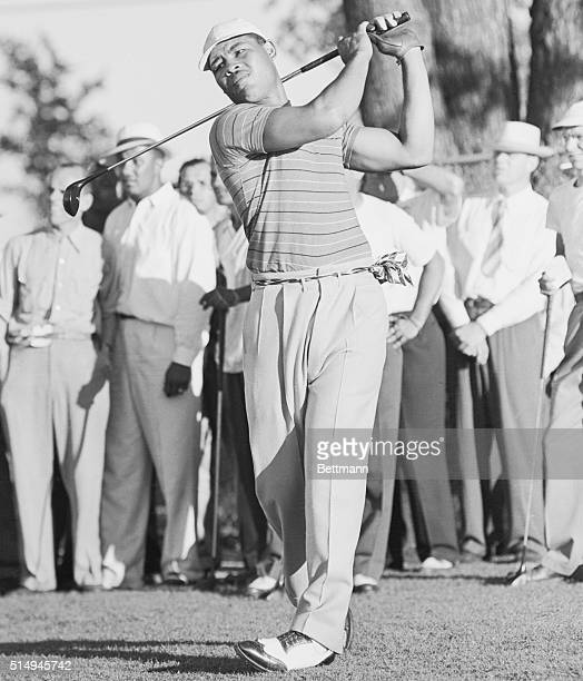 The 'Bomber' Tees Off Chicago Illinois Joe Louis tees off on the 15th at the AllAmerican Golf Tourney at Tem O'Shanter Country Club The world's...