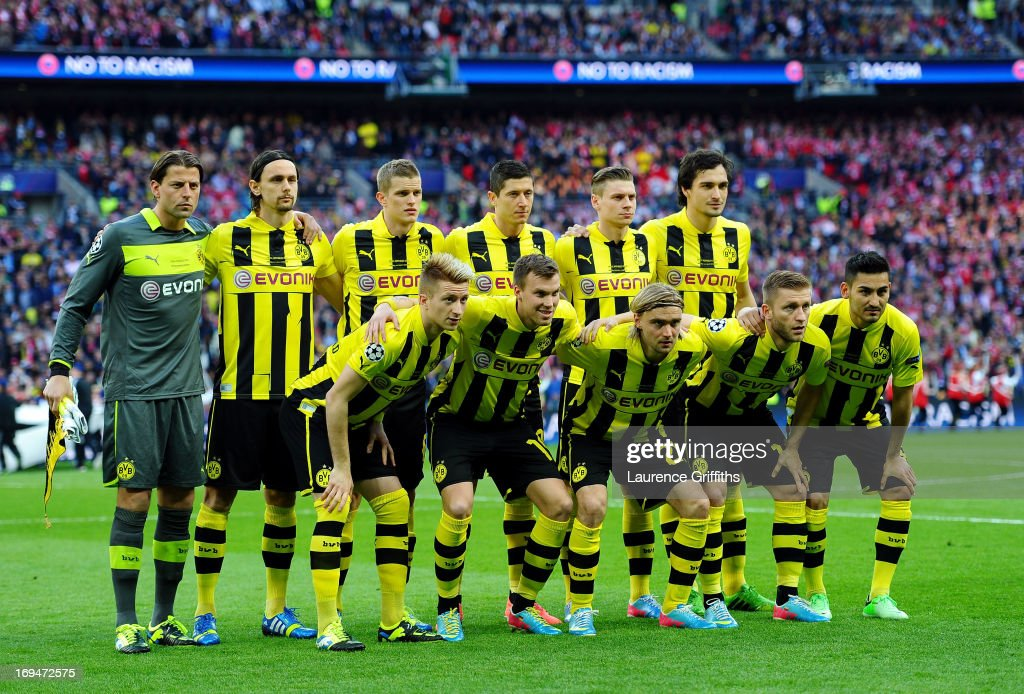 The Borussia Dortmund team line up ahead of the UEFA Champions League final match between Borussia Dortmund and FC Bayern Muenchen at Wembley Stadium on May 25, 2013 in London, United Kingdom.