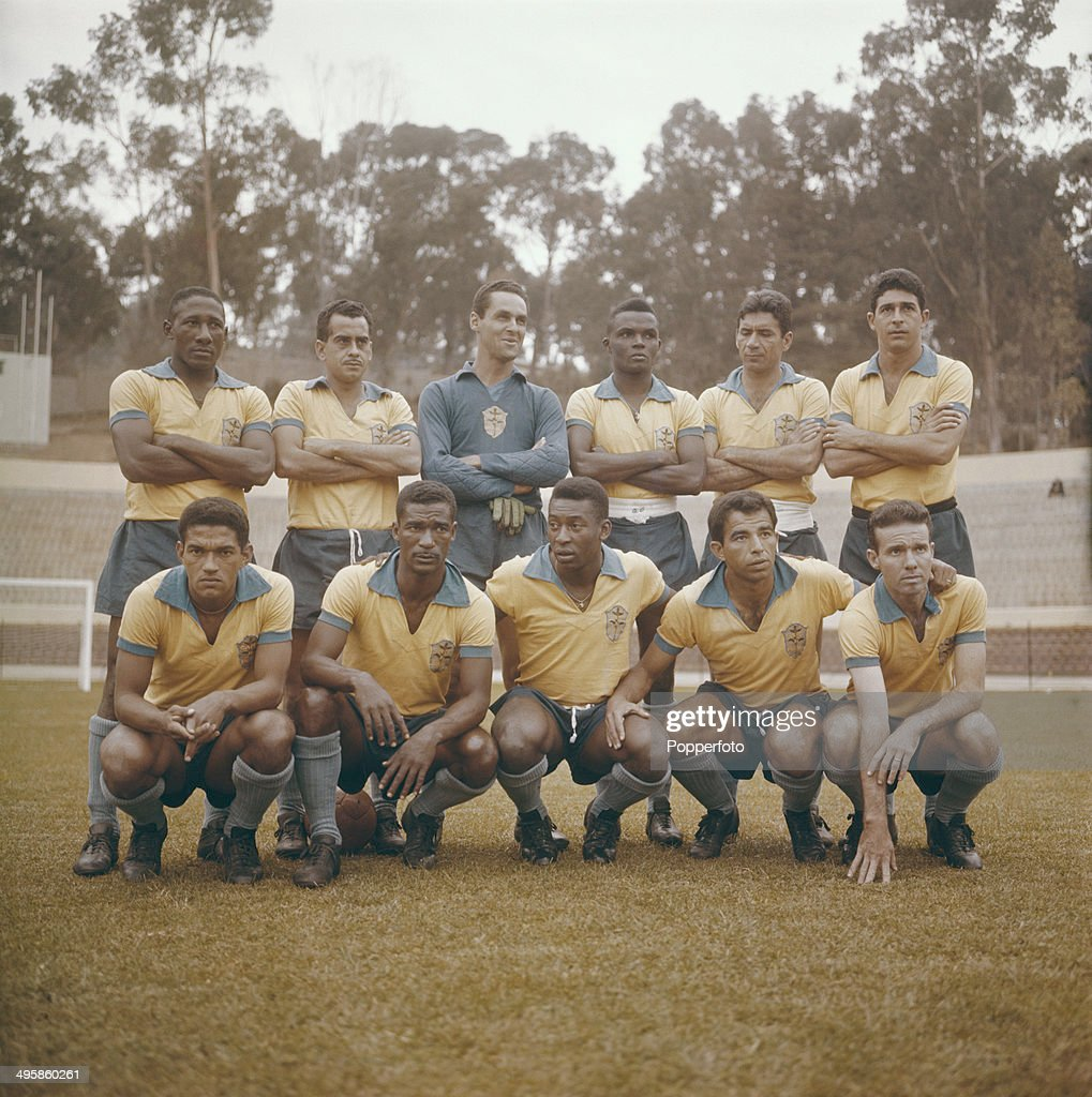 The Brazilian football team pose together before the World Cup tournament in 1962. Back row (l to r) <a gi-track='captionPersonalityLinkClicked' href=/galleries/search?phrase=Djalma+Santos&family=editorial&specificpeople=703326 ng-click='$event.stopPropagation()'>Djalma Santos</a>, <a gi-track='captionPersonalityLinkClicked' href=/galleries/search?phrase=Zito+-+Soccer+Player+-+Born+1932&family=editorial&specificpeople=14698060 ng-click='$event.stopPropagation()'>Zito</a>, Gilmar, Zozimo, <a gi-track='captionPersonalityLinkClicked' href=/galleries/search?phrase=Nilton+Santos&family=editorial&specificpeople=1074093 ng-click='$event.stopPropagation()'>Nilton Santos</a> and Mauro. Front row from left to right: <a gi-track='captionPersonalityLinkClicked' href=/galleries/search?phrase=Garrincha&family=editorial&specificpeople=939039 ng-click='$event.stopPropagation()'>Garrincha</a>, Didi, Pele, Vava and Mario Zagallo.