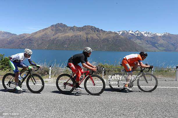 The breakaway group Luke Macpherson of Invercargill Eric Marcotte of the US and Matt Zenovich of Invercargill make its way round the Devils Staircase...