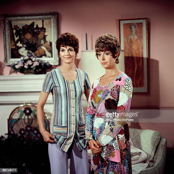COUPLE 'The Breakup' Season One 10/22/70 The Pigeon sisters Gwendolyn and Cecily allowed Felix to stay at their apartment