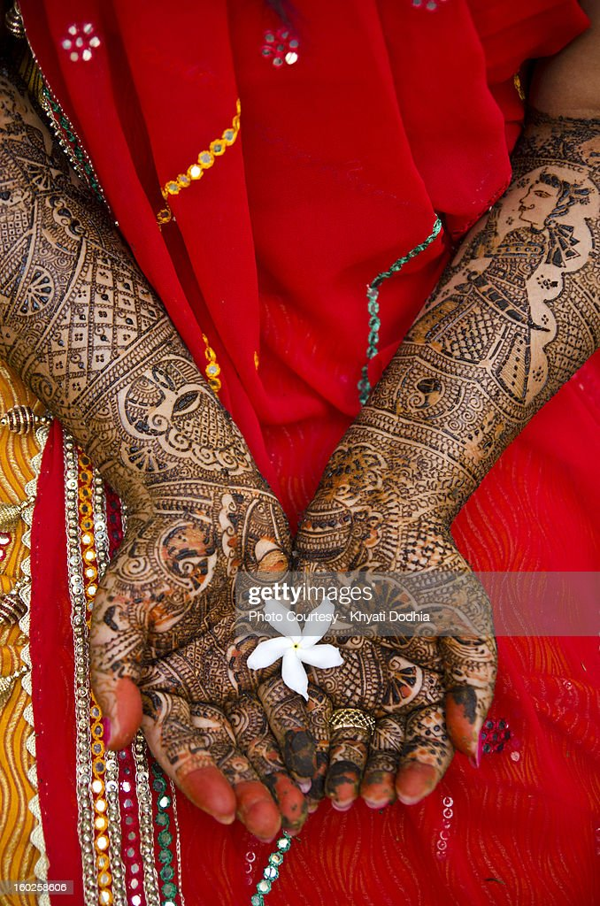 The bride and her mehndi. : Stock Photo