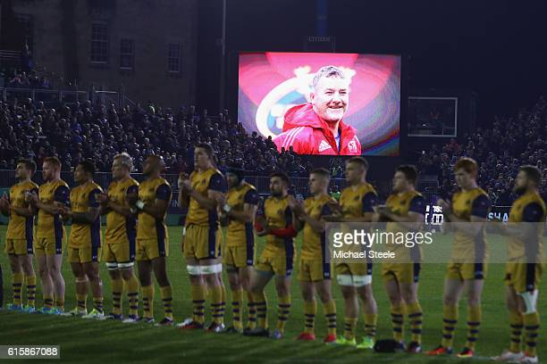 The Bristol players lead a minutes applause in honour of Munster coach Anthony Foley ahead of kick off during the European Rugby Challenge Cup Pool...