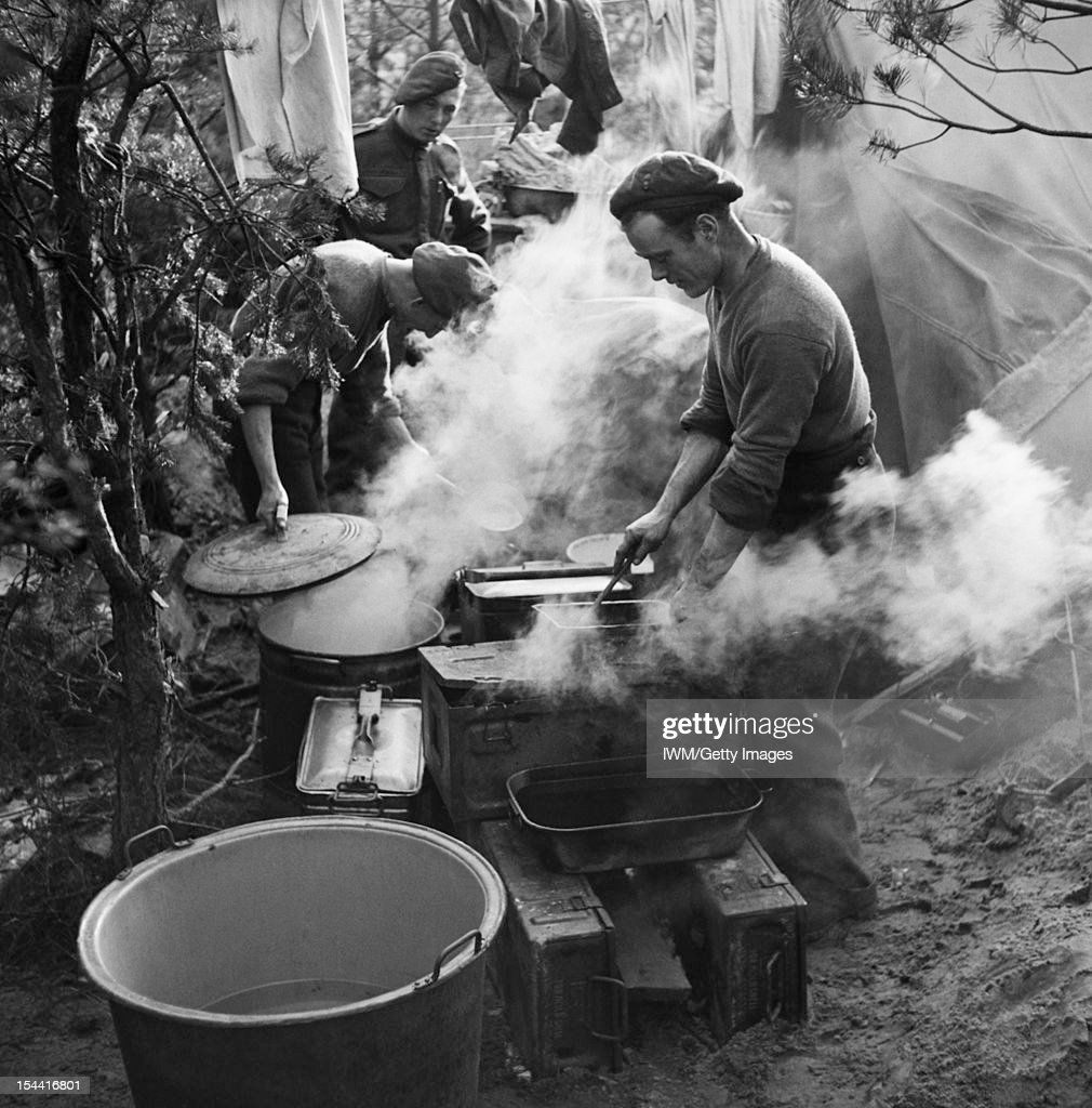 The British Army In North-West Europe 1944-45, Royal Artillery cooks preparing Christmas dinner near Geilenkirchen, 25 December 1944.
