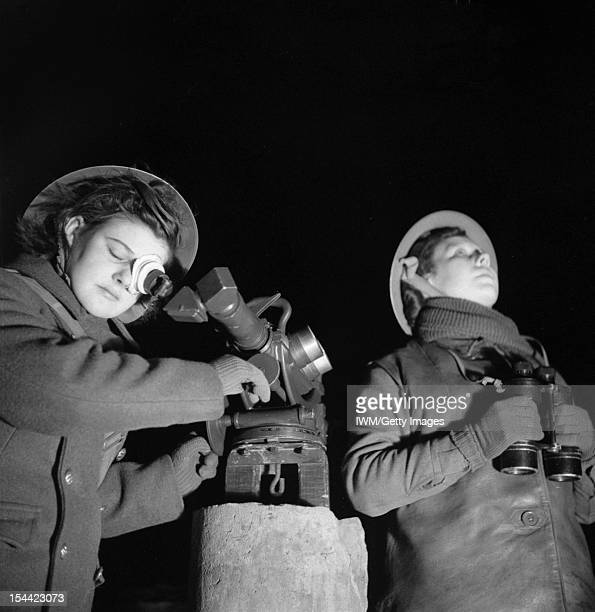 The British Army In The United Kingdom 193945 ATS spotters at a 37inch antiaircraft gun site at Dunfermline in Scotland 6 January 1943 Privates M...
