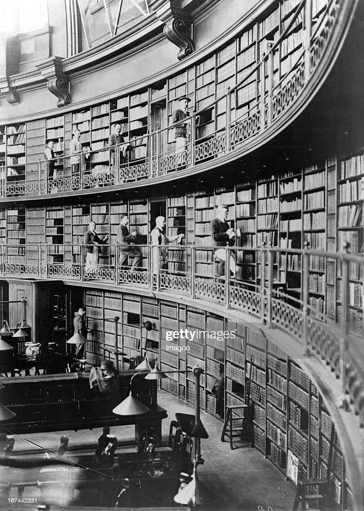 The British Museum Library. The reading room. London. About 1935. Photograph. (Photo by Imagno/Getty Images) Die Bibliothek des British Museum mit dem Lesesaal. London. Um 1935. Photographie. .