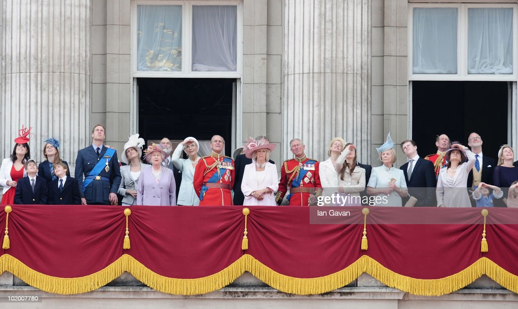 The British Royal Family including (L-R) Princess Eugenie, Princess Beatrice, Prince William, HM Queen Elizabeth II, Princess Michael of Kent, Prince Philip, Duke of Edinburgh, <a gi-track='captionPersonalityLinkClicked' href=/galleries/search?phrase=Camilla+-+Duchessa+di+Cornovaglia&family=editorial&specificpeople=158157 ng-click='$event.stopPropagation()'>Camilla</a> Duchess of Cornwall, Prince Charles, Prince of Wales, look out from the balcony of Buckingham Palace during trooping the colour on June 12, 2010 in London, England.