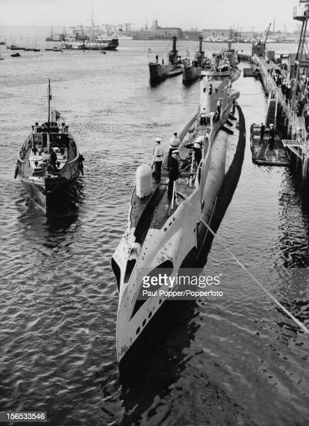 The British T class submarine HMS TallyHo at Portsmouth 25th June 1954 The dieselelectric submarine was launched in 1942 saw service in the Indian...