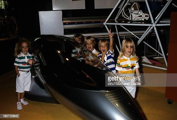 The Brunner Quintuplets At Walt Disney In Florida Floride octobre 1982 Les quintuplés découvrant pour la première fois le monde merveilleux de Disney...