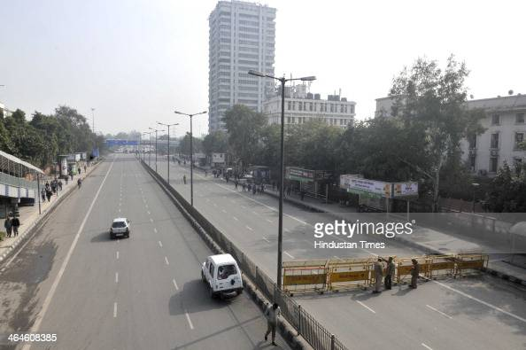 The busy ITO area wears a deserted look during the dress rehearsal of the Republic Day parade on January 23 2014 in New Delhi India The parade...