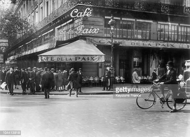 The Cafe de LA PAIX at place de l'OPERA in Paris around 1930