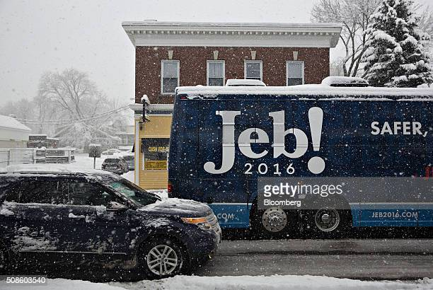 The campaign bus of Jeb Bush former governor of Florida and 2016 Republican presidential candidate is seen traveling through the snow in Derry New...