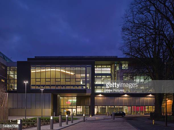 The Campus Centre University Of Bedfordshire Luton Park Square Luton Bedfordshire United Kingdom Architect Rmjm Student Centre University Of...