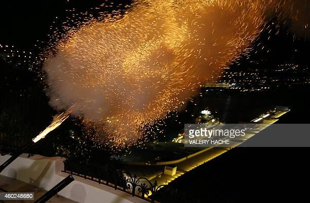 The cannons are fired to announce the birth of Prince Albert II and Princess Charlene of Monaco's twin babies on December 10 2014 in Monaco Prince...