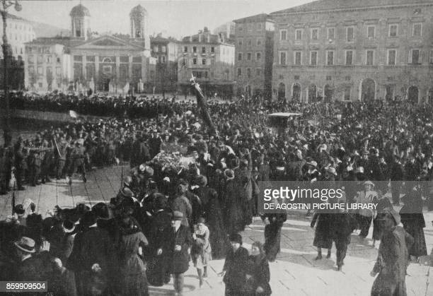 The car carrying the King of Italy Vittorio Emanuele III between two wings of the crowd Trieste World War I from l'Illustrazione Italiana Year XLV No...