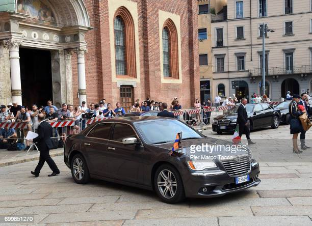 The car of King WillemAlexander and Queen Maxima of The Netherlands arrives for the visit at the Cenacolo Vinciano in the Refectory of the Convent of...