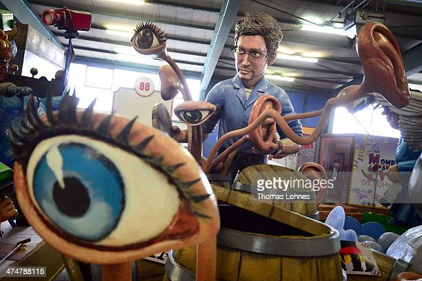 The Carnival parade float satirizing Edward Snowden and the NSA affair unter the motto 'The discoverers' on February 25 2014 in Mainz Germany The...