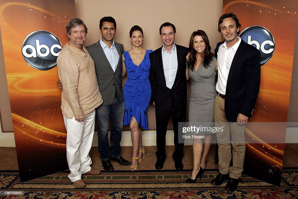 TOUR 2012 - The cast and producers of ABC's 'Missing' posed for a photo op with Paul Lee (President, ABC Entertainment Group) at Disney/ABC Television Group's Winter Press Tour 2012. , CLIFF CURTIS, ASHLEY JUDD, PAUL LEE (PRESIDENT, ABC ENTERTAINMENT GROUP), GINA MATTHEWS (EXECUTIVE PRODUCER), GRANT SCHARBO