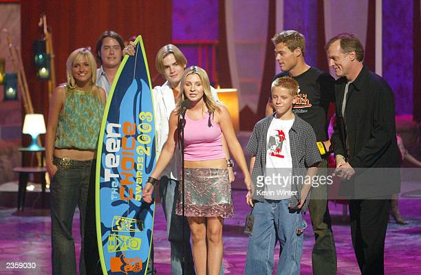 The cast of '7th Heaven' won Choice TV Drama at the 2003 Teen Choice Awards at the Universal Amphitheater on August 2 2003 in Universal City...