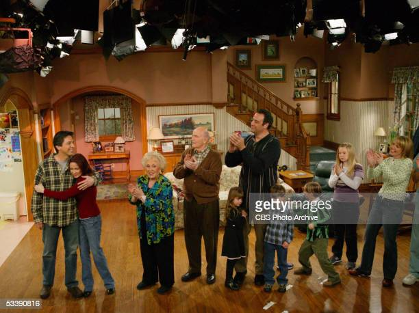 The cast of 'Everybody Loves Raymond' at the taping of the final episode of the Emmy awardwinning CBS comedy series on Saturday January 292005...