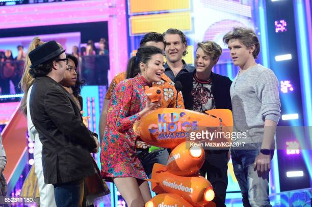 The cast of 'Henry Danger' accepts the award for Favorite TV Show – Kids' Show onstage at Nickelodeon's 2017 Kids' Choice Awards at USC Galen Center...