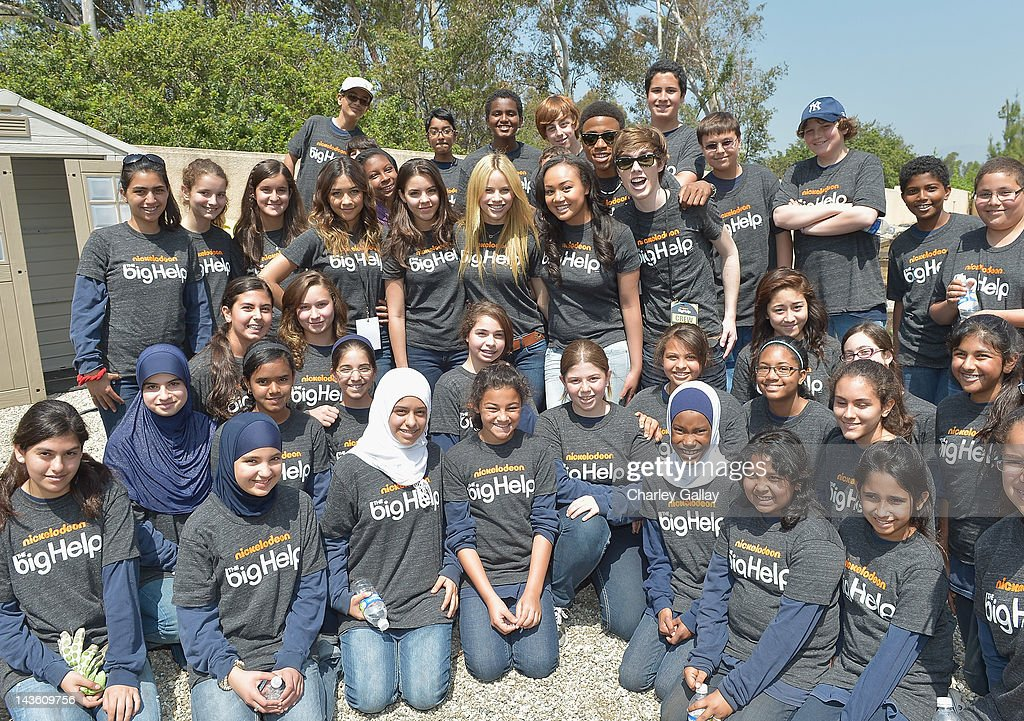 The cast of Nickelodeon's 'How to Rock' volunteer with students for a Big Help environmental project at New Horizon Elementary & Middle School on April 30, 2012 in Pasadena, California.