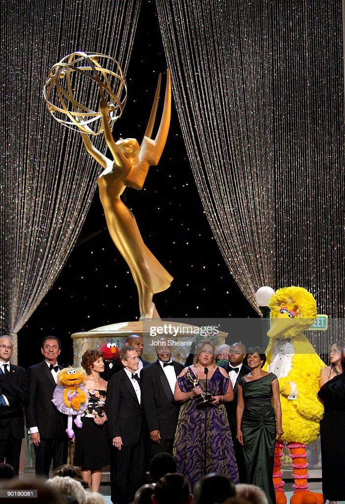 The cast of 'Sesame Street' accepts the Emmy Lifetime Achievement Award during the 36th Annual Daytime Emmy Awards at The Orpheum Theatre on August 30, 2009 in Los Angeles, California.