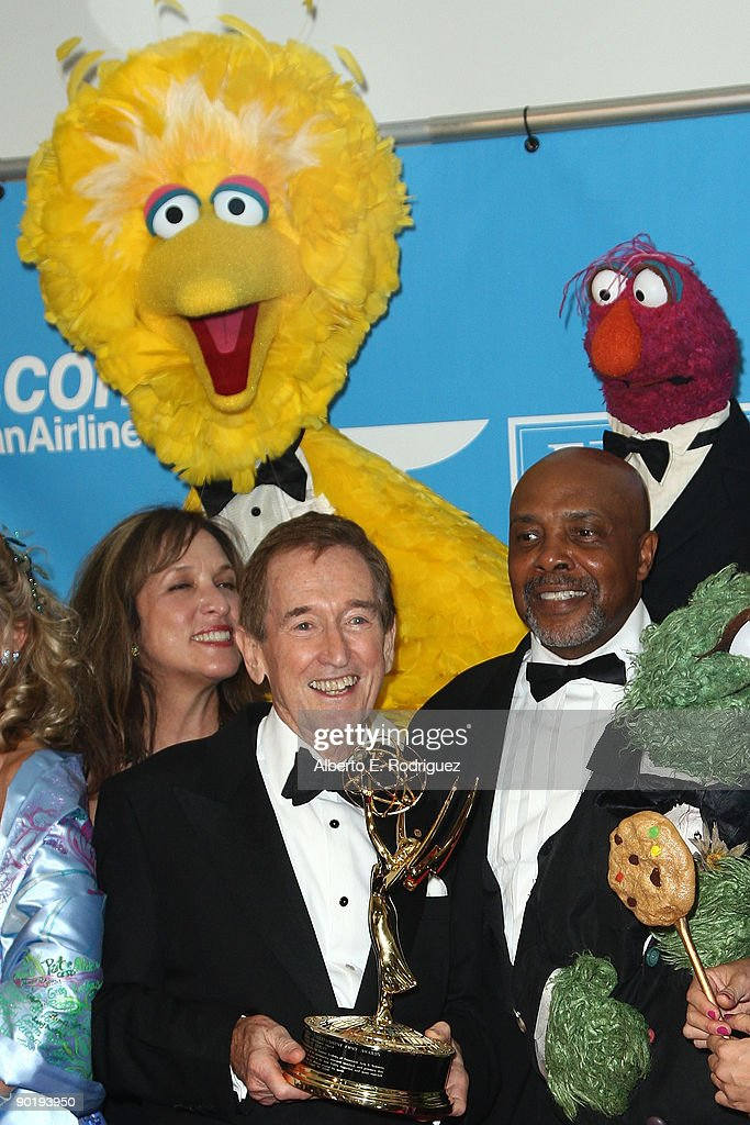 The cast of 'Sesame Street' pose in the press room during the 36th Annual Daytime Emmy Awards at The Orpheum Theatre on August 30, 2009 in Los Angeles, California.
