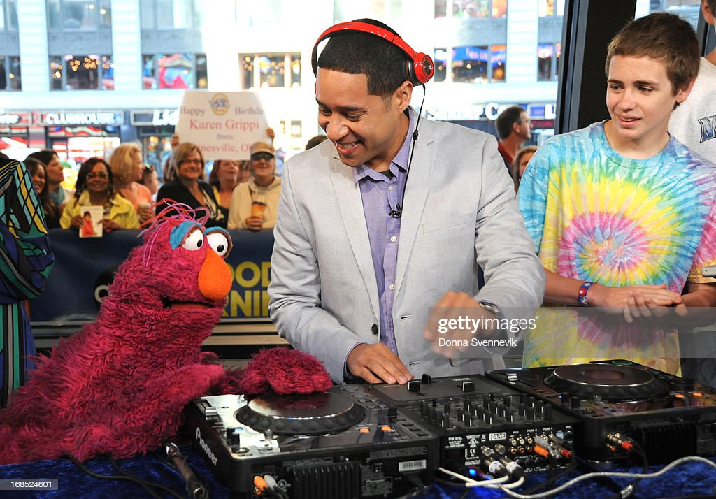 AMERICA - The cast of Sesame Street visits 'Good Morning America,' 5/10/13, airing on the ABC Television Network. (Photo by Donna Svennevik/ABC via Getty Images) TELLY, DJ