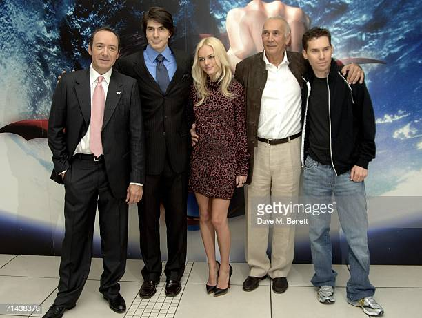 The cast of Superman Returns Kevin Spacey Brandon Routh Kate Bosworth Frank Langella and director Bryan Singer arrive at the UK premiere of 'Superman...