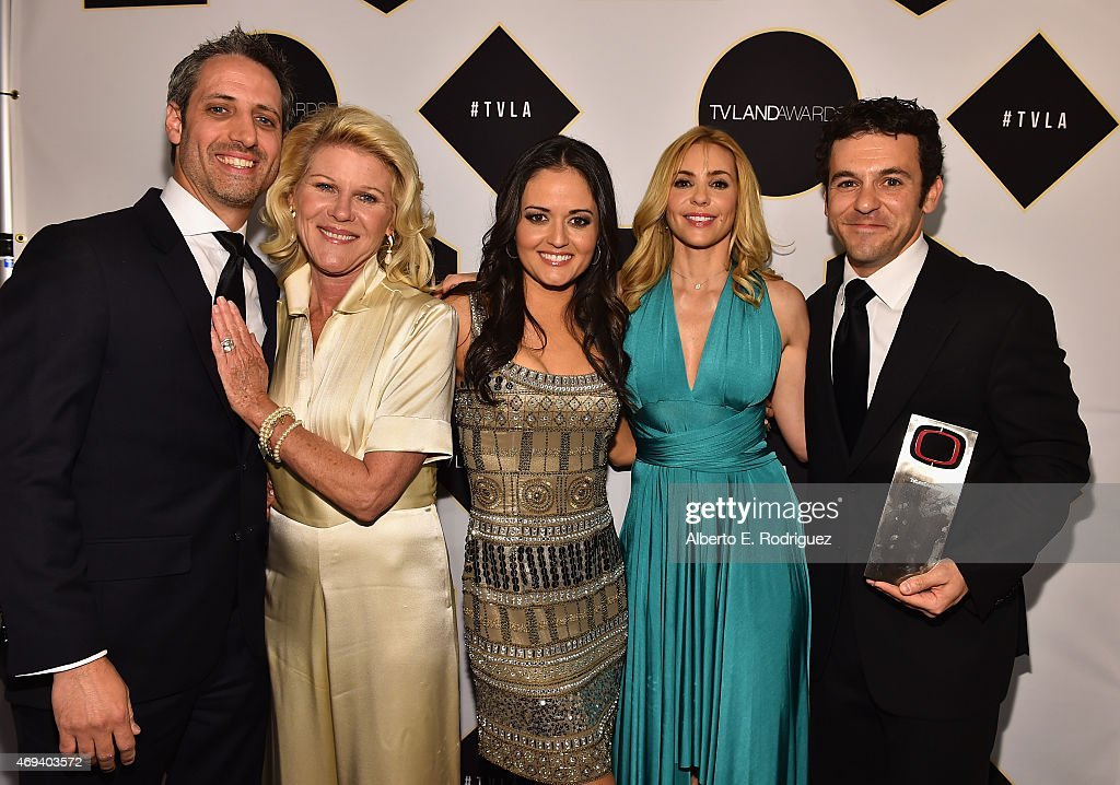 The cast of 'The Wonder Years' actors Josh Saviano Alley Mills Danica McKellar Olivia d'Abo and Fred Savage pose backstage with the Impact Award...