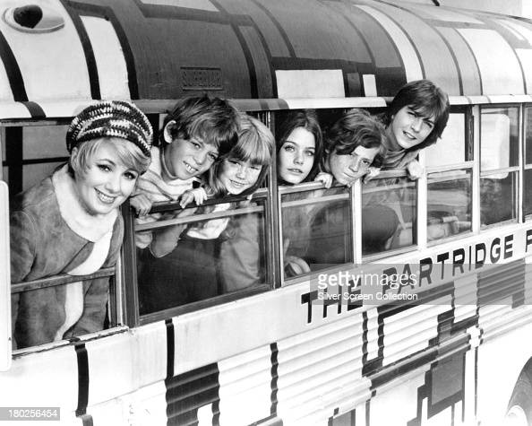The cast of TV sitcom 'The Partridge Family' circa 1971 left to right Shirley Jones Jeremy Gelbwaks Suzanne Crough Susan Dey Danny Bonaduce and David...