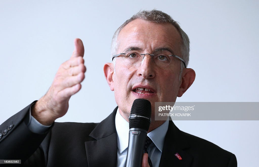 The chairman of the state-owned French rail company SNCF, Guillaume Pepy, presents on October 8, 2013 in the Paris suburb of La Plaine Saint-Denis a maintenance plan for the network following the July 12 derailment in the Paris suburb of Bretigny-sur-Orge that left six dead.