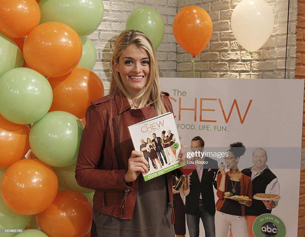 THE CHEW - 'The Chew' celebrates the release of its first book OZ