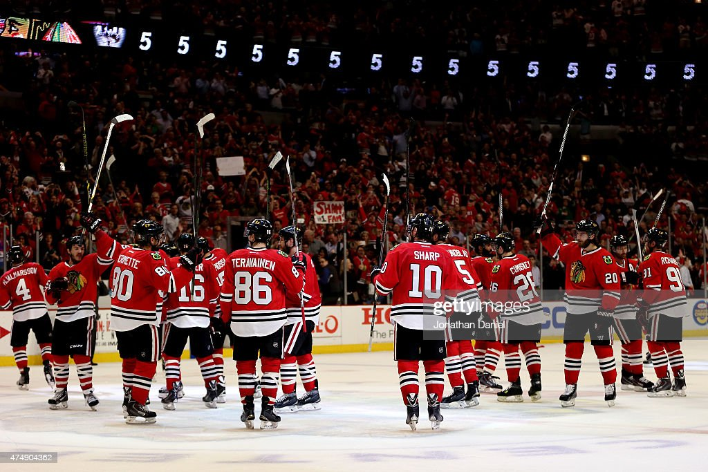 The Chicago Blackhawks salute the crowd after defeating the Anaheim Ducks 5-2 in Game Six of the Western Conference Finals during the 2015 NHL Stanley Cup Playoffs at the United Center on May 27, 2015 in Chicago, Illinois.