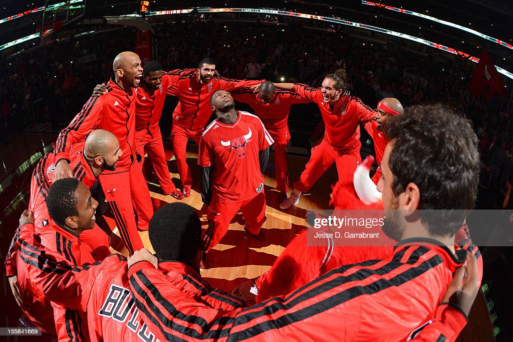 The Chicago Bulls huddle around Nate Robinson prior to the start of the game against the Oklahoma City Thunder on November 8, 2012 at the United Center in Chicago, Illinois.