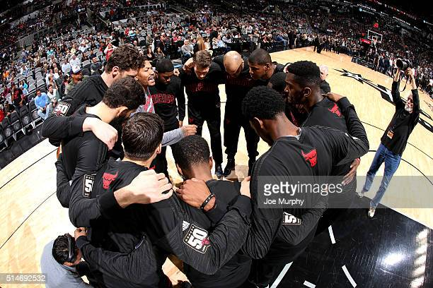 The Chicago Bulls huddle up before the game against the San Antonio Spurs on March 10 2016 at the ATT Center in San Antonio Texas NOTE TO USER User...