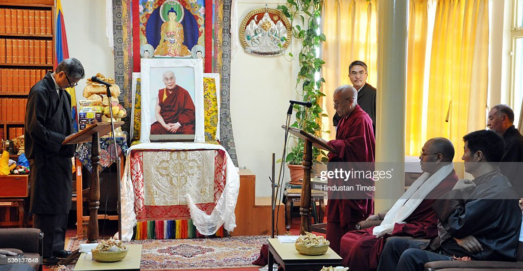 The Chief Justice Commissioner Mr Kargyu Dhondup administering the oath of office to Acharya Yeshi Phuntsok as the new Deputy Speaker of the 16th Tibetan Parliament-in-Exile on May 31, 2016 at Dharamsala, India.