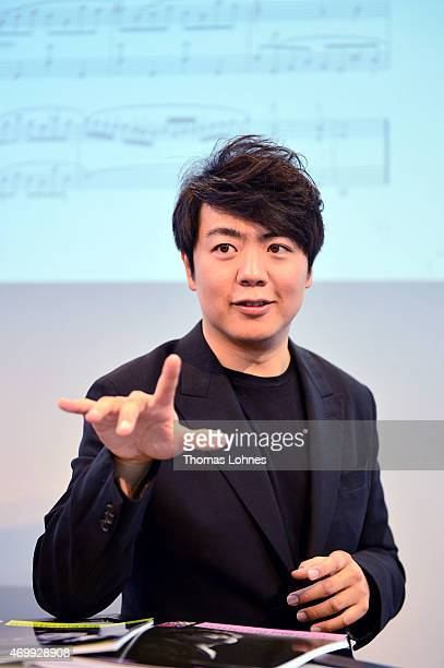 The Chinese star pianist Lang Lang presents his multivolume piano tutor and performs live on the wing at the 'Frankfurter Musikmesse' on April 16...