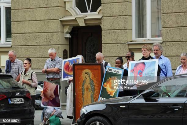 TüRKENSTRAßE MUNICH BAVARIA GERMANY The christian fundamentalists during their prayer Around 20 Christian fundamentalists demonstrated through Munich...