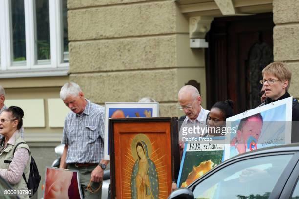 TüRKENSTRAßE MUNICH BAVARIA GERMANY The christian fundamentalists singing Around 20 Christian fundamentalists demonstrated through Munich especially...