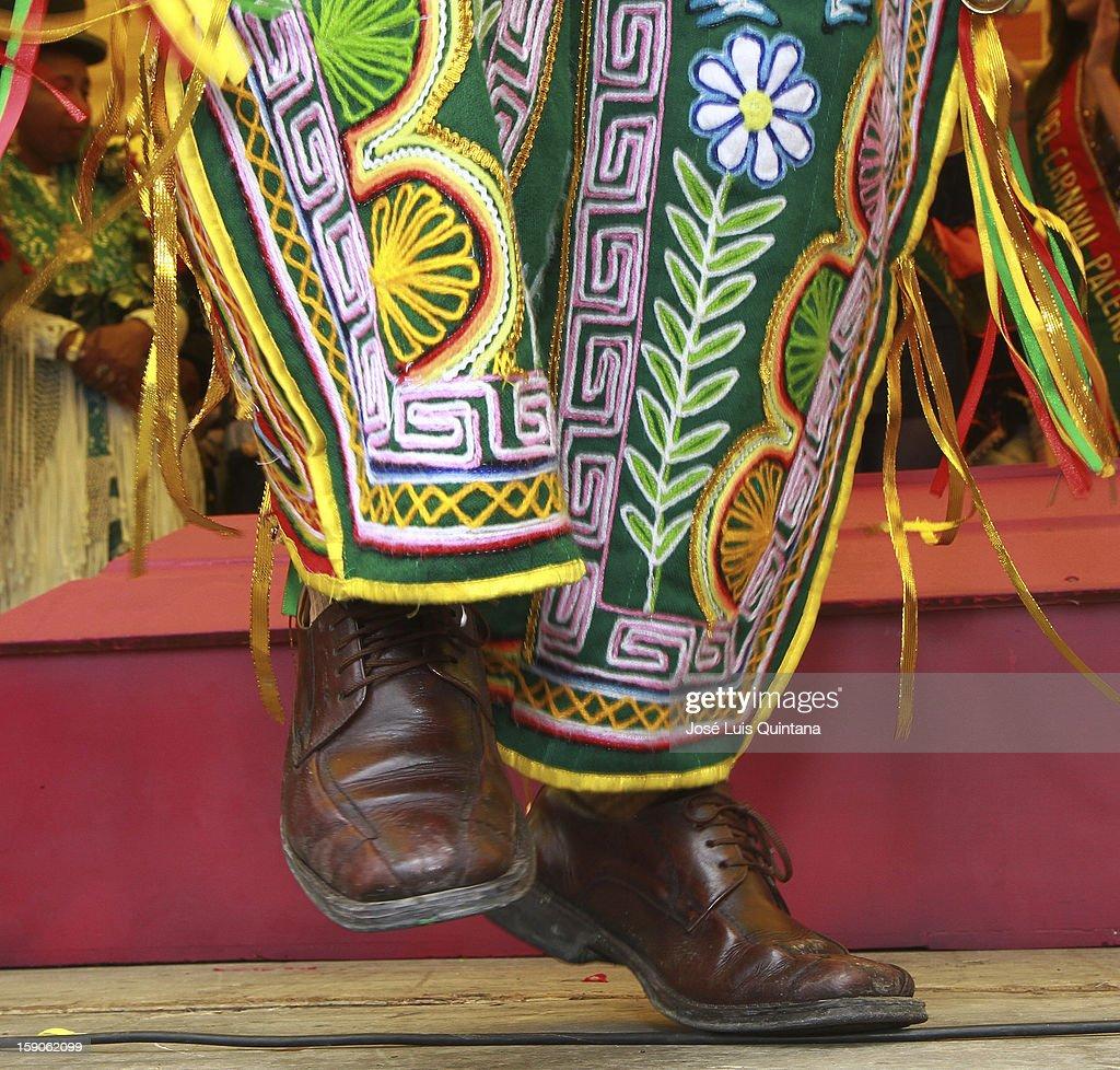 """The 'Chuta Cholero' participates of a the ritual """"Desentierro del Pepino"""", inaugurating the carnival celebrations 2013, on January 06, 2013, in La Paz, Bolivia."""