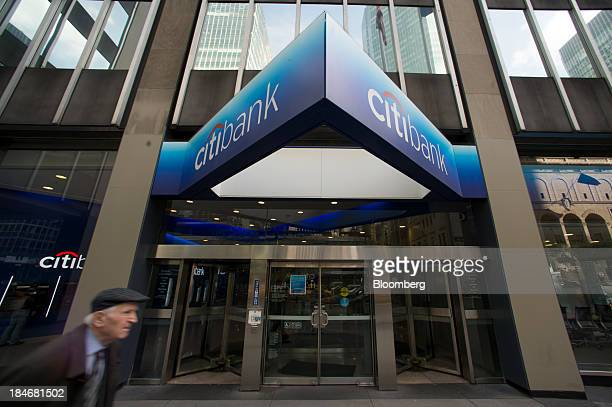 The Citibank logo is displayed above a bank branch on Park Avenue in New York US on Monday Oct 14 2013 Citigroup Inc the thirdbiggest US bank...