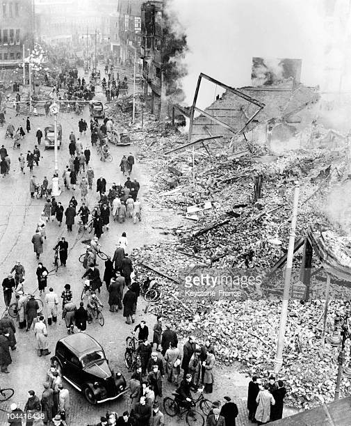 The city of Coventry outside London after a German air raid during the Blitz in November 1940 Entire buildings were completely destroyed