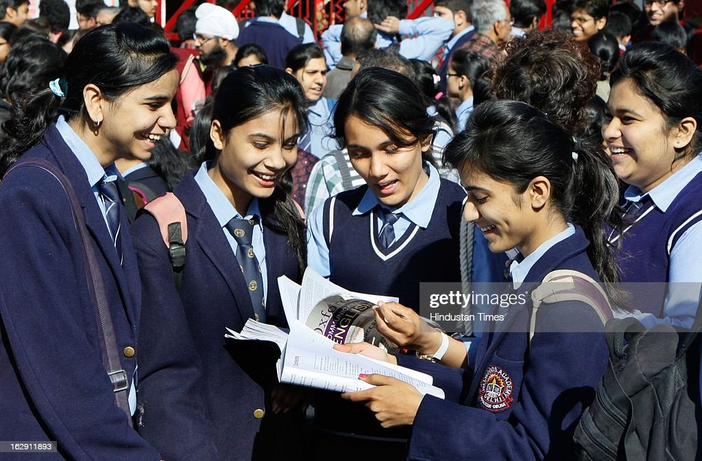 The class 12th students doing last moment revision before their CBSE exam at exam center at Mayur Vihar on March 1, 2013 in New Delhi, India. Over all 22 lakh students are appearing for their CBSE exam for Class X and XII this year.