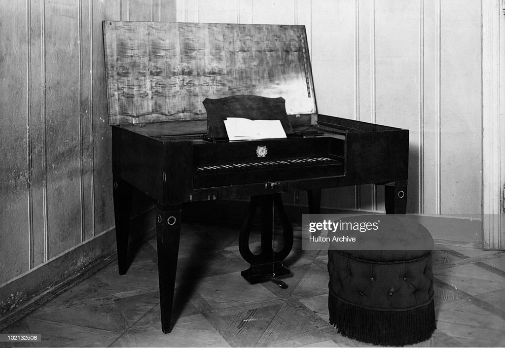 The clavichord on which Wolfgang Amadeus Mozart (1756 - 1791) composed the score for his opera 'Don Giovanni', circa 1925. The opera was first performed in 1788.