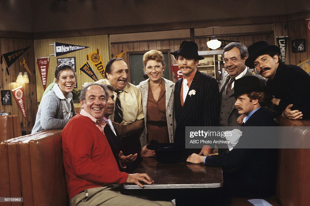 DAYS - 'The Claw Meets the Fonz' 11/3/78 <a gi-track='captionPersonalityLinkClicked' href=/galleries/search?phrase=Erin+Moran&family=editorial&specificpeople=990581 ng-click='$event.stopPropagation()'>Erin Moran</a>, Jerry Paris, Al Molinaro, <a gi-track='captionPersonalityLinkClicked' href=/galleries/search?phrase=Marion+Ross&family=editorial&specificpeople=240317 ng-click='$event.stopPropagation()'>Marion Ross</a>, <a gi-track='captionPersonalityLinkClicked' href=/galleries/search?phrase=Ron+Howard+-+Director&family=editorial&specificpeople=201972 ng-click='$event.stopPropagation()'>Ron Howard</a>, <a gi-track='captionPersonalityLinkClicked' href=/galleries/search?phrase=Tom+Bosley&family=editorial&specificpeople=667902 ng-click='$event.stopPropagation()'>Tom Bosley</a>, Donny Most, <a gi-track='captionPersonalityLinkClicked' href=/galleries/search?phrase=Anson+Williams&family=editorial&specificpeople=799442 ng-click='$event.stopPropagation()'>Anson Williams</a>
