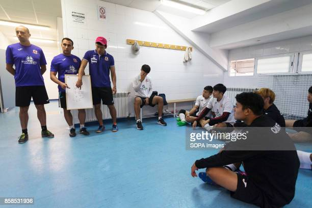 FIELD ILLESCAS TOLEDO SPAIN The coach assisted by a translator seen giving training instructions The town of Illescas in Toledo in Spain welcomed a...